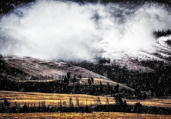 Maker:  Wayne Tabor<br /> Title:  A Snow Storm Approaches<br /> Category:  Landscape/Travel<br /> Score:  12