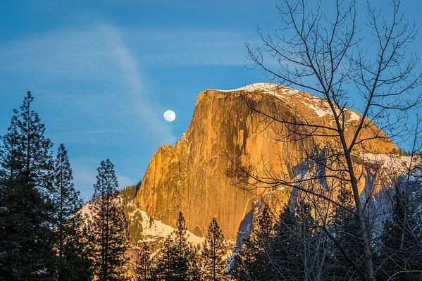 Maker:  Rickey Scroggins<br /> Title:  Half Doom Moonrise<br /> Category:  Landscape/Travel<br /> Score:  12