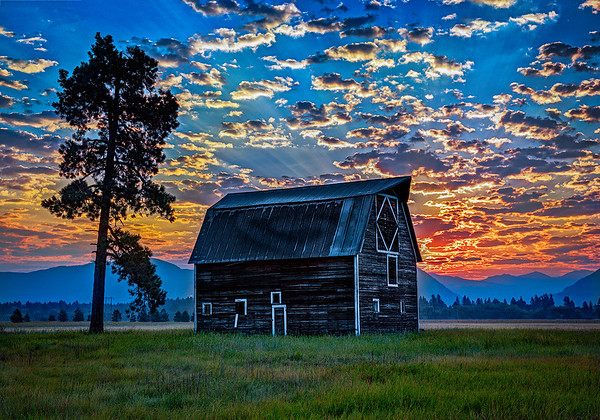 Maker:  Wayne Tabor<br /> Title:  Mountain Sunrise<br /> Category:  Pictorial<br /> Score:  12