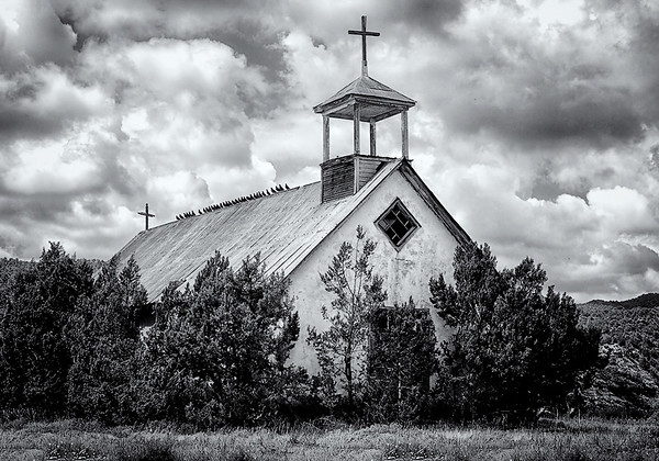 Maker:  Wayne Tabor<br /> Title:  Church of the Pigeons<br /> Category:  Black & White<br /> Score:  11