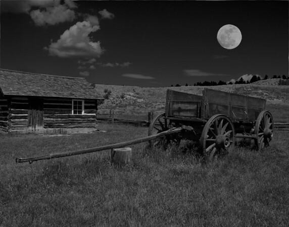 Colorado Moon<br /> Category: Black & White<br /> Photographer: Bill Carroll<br /> Score: 12  , 2008