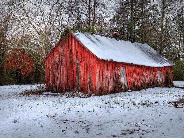 Maker:  Dwayne Anders<br /> Title:  Red Barn<br /> Category:  Landscape/Travel<br /> Score:  13