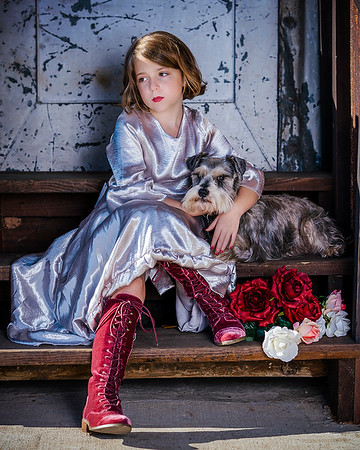 Maker:   Mary Haddox<br /> Title:    Addy and Jack at Gin<br /> Category:  Portraiture<br /> Score:  14