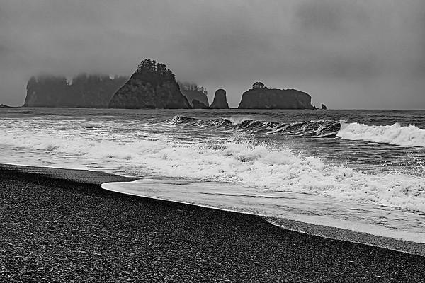 Maker:  Wayne Tabor<br /> Title:  Fog on Rialta Beach<br /> Category:  Black & White<br /> Score:  11.5