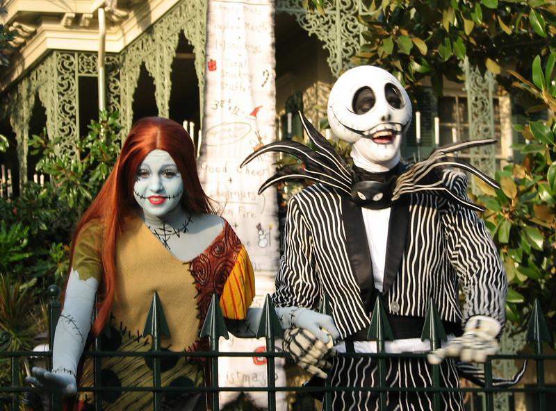 Scary characters at the Haunted House.<br /> <br /> Personajes terrorificos en la casa encantada.