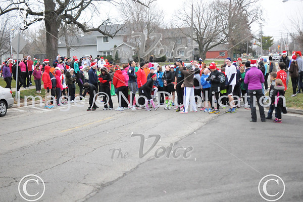 Oswego, IL Family YMCA Jingle Bell Jog 12-9-12