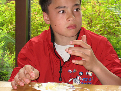 Eating cake Chinese style