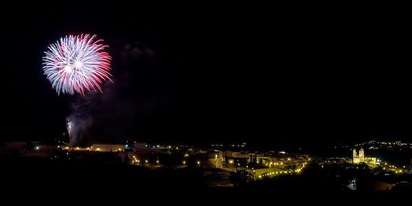 13. Fireworks, by jacalvo, 9/8/07, 4 s, E300
