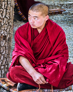 4 Tibetan Monk in Prayer