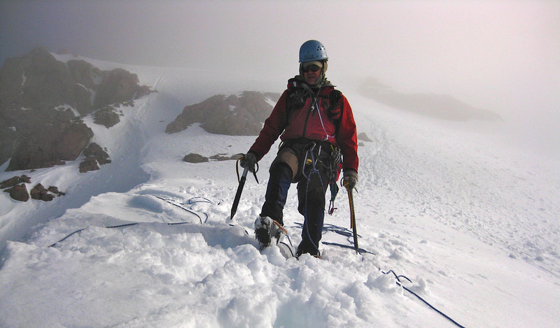 Don't stand on the rope!  Stu Hutson descends into the Otira Valley from the low peak of Mt Rolleston, Arthurs Pass NP