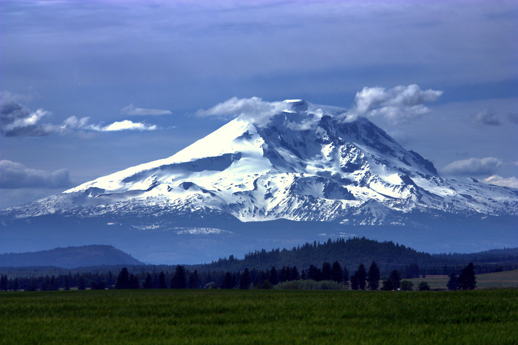 Mt Adams shot from Knight road.