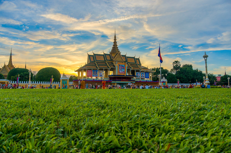 Preah Thineang Chan Chhaya & Royal Palace Park