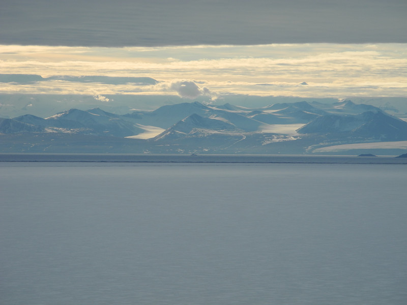 The magnificant Royal Society Mountain Range, taken from McMurdo. Prime Minister John Key's trip to Antarctica, Jan 2013. Credit New Zealand Ministry of Foreign Affairs and Trade