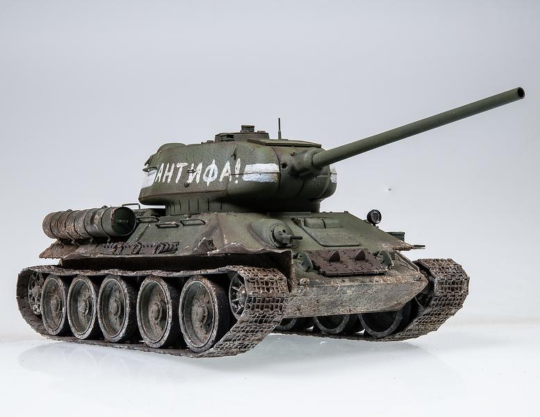 1/35 Rye Field T-34/85