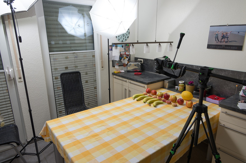 "Making of ""Fruit!"" - second setup pic showing the second flash on the left"