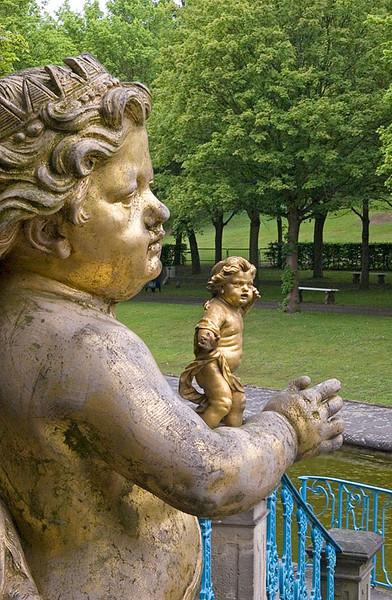 Statue (DOF composite)