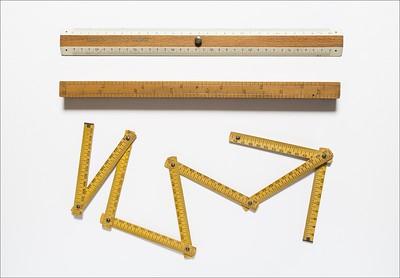 Typometers and line gauges