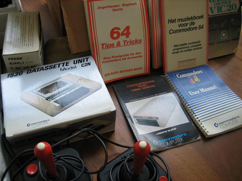 The Commodore cassette unit 1530, two joysticks with (!) microswitches and the manuals