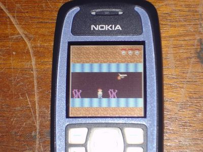 Here's a pre-alpha picture of Dangerous Dave on a Nokia Series 40, courtesy of Fernando Closs. When the game is finished, I'll be posting it on the site for free downloads! Also - the game supports both the Apple II and PC versions of the graphics!