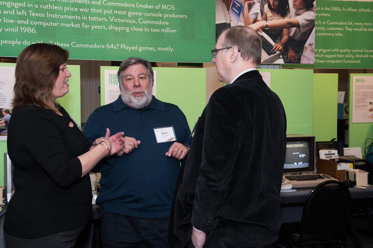 WOZ, wife Janet meet Paul Allen for First time