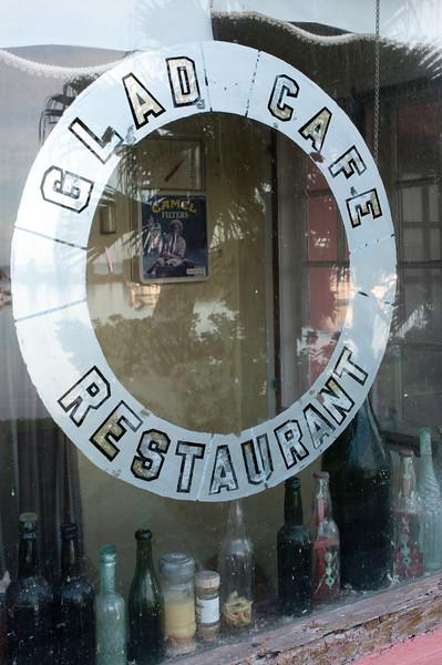 Glad Cafe 12-09 9