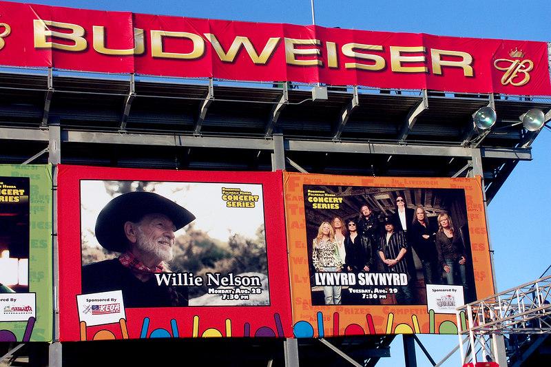"<font size=&#43; 1face= ""Comic Sans MS"" color=#4D4FF>Lynyrd Skynyrd Concert Antelope Valley Fair"