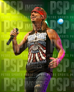 051813 _Bret _Michaels_concert_- 1107