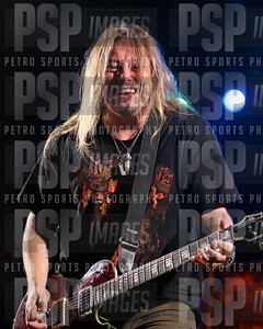 051813 _Bret _Michaels_concert_- 1195