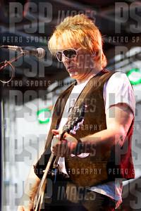 051813 _Bret _Michaels_concert_- 1065