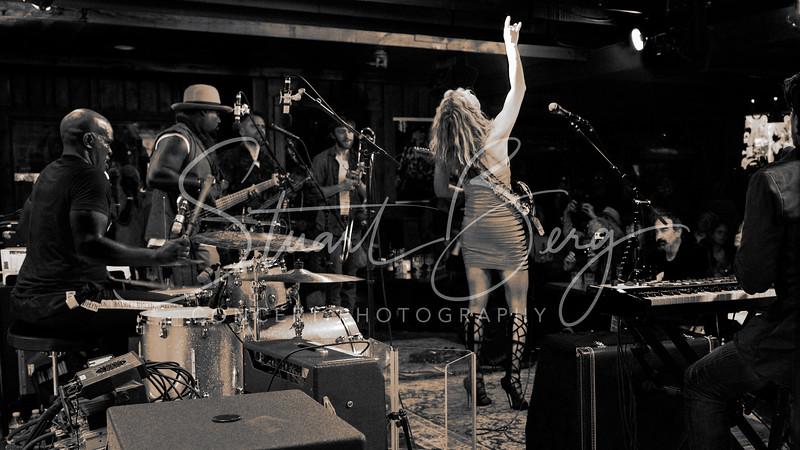 Ana Popovic   <br /> April 15, 2018  <br /> Daryl's House Club  <br /> Pawling, NY  <br />  ©Stuart M Berg<br /> <br /> Ana Popovic - Guitar, Vocals  <br /> Adam Ahuja - Keyboards  <br /> Buthel - Bass, Vocals  <br /> Cedric Goodman - Drums, Vocals  <br /> Brad Walker - Saxophone  <br /> Jon Ramm - Trombone