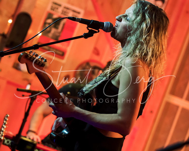 Ana Popovic  <br /> May 19, 2017    <br /> Daryl's House Club  <br /> Pawling, NY  <br />  ©Stuart M Berg<br /> <br /> Ana Popovic- Guitar, Vocals<br /> Lavondo Thomas- Bass, Vocals<br /> Jakubu Griffin- Drums<br /> Adam Ahuja- Keyboards, Vocals