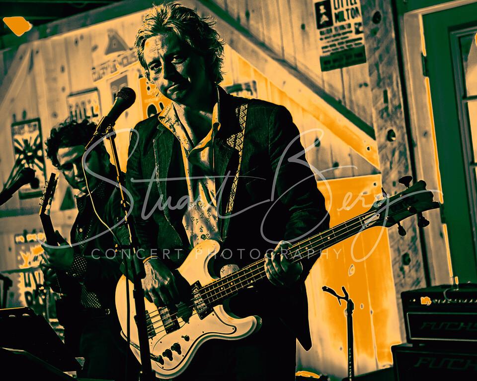Badfinger - Joey Molland<br /> July 2, 2017  <br /> Daryl's House Club  <br /> Pawling, NY  <br />  -©Stuart M Berg-  <br /> <br /> Joey Molland -Guitars, Vocals  <br /> Emeen Zarookian - Guitars,  Vocals  <br /> Erik Paparozzi - Bass, Vocals  <br /> Slex Jules - Keyboard, Guitar, Vocals  <br /> Ben Lecourt - Drums, Vocals