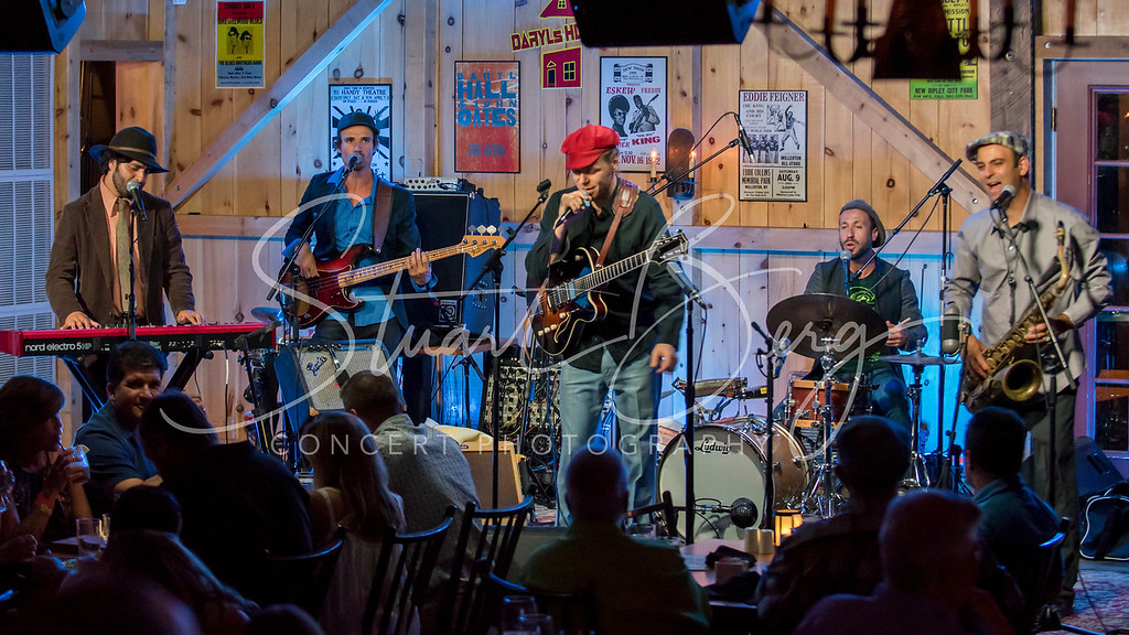 The California Honeydrops  <br /> July 22, 2016  <br /> Daryl's House Club, Pawling, NY <br /> ©StuartBerg 2016