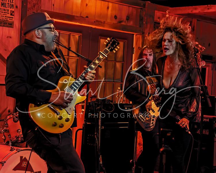 Dana Fuchs  <br /> May 5, 2017  <br /> Daryl's House Club  <br /> Pawling, NY  <br />  ©Stuart M Berg<br /> <br /> Dana Fuchs - Vocals<br /> Jon Diamond - Guitar<br /> Tony Mason - Drums  <br /> Craig Dreyer - Keyboards and Saxaphone  <br /> Jack Daley - Bass