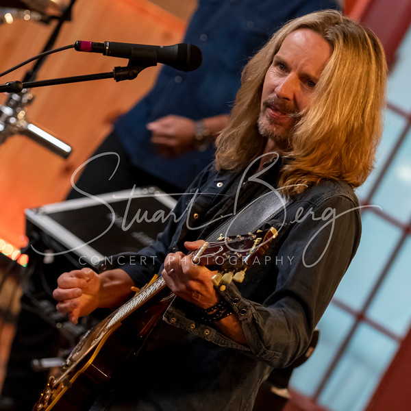 Live From Daryl's House with Tommy Shaw    <br /> November 13, 2018  <br /> Daryl's House Club   <br /> Pawling, NY   <br />  ©Stuart M Berg  <br /> <br /> Daryl Hall - Guitar, Keyboards, Vocals  <br /> Tommy Shaw - Guitar, Vocals  <br /> Eliot Lewis - Keyboards, Vocals  <br /> Klyde Jones - Bass, Vocals  <br /> Shane Theriot - Guitars, Vocals  <br /> Porter Carroll Jr - Percussion, Vocals  <br /> Brian Dunne - Drums