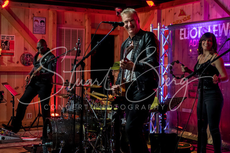 Eliot Lewis  <br /> January 1, 2017  <br /> Daryl's House Club, Pawling, NY <br /> ©StuartBerg 2017