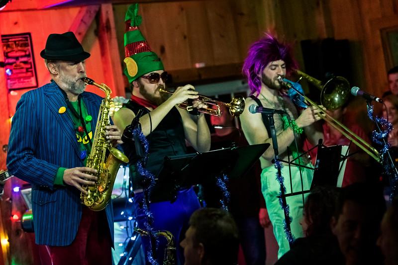 Holidelic  <br /> December 14,  2018   <br /> Daryl's House Club  <br /> Pawling, NY  <br />  ©Stuart M Berg  <br /> <br /> Holoielic  <br /> <br /> Everett Bradley - Lead Vocals  <br /> Vini Miranda - Guitar  <br /> Mike Eckroth - Keyboards  <br /> Klyde Jones - Bass  <br /> Brian Dunne - Drums  <br /> Eli Chalmer - Trombone  <br /> Jay Davidson - Saxaphone <br /> Matt Cappy - Trumpet  <br /> Amanda Homi - Vocals  <br /> Nicki Richards - Vocals  <br /> Keith Anthony Fluitt - Vocals  <br /> <br /> Special Guest  <br /> Xavier Smith - Vocals