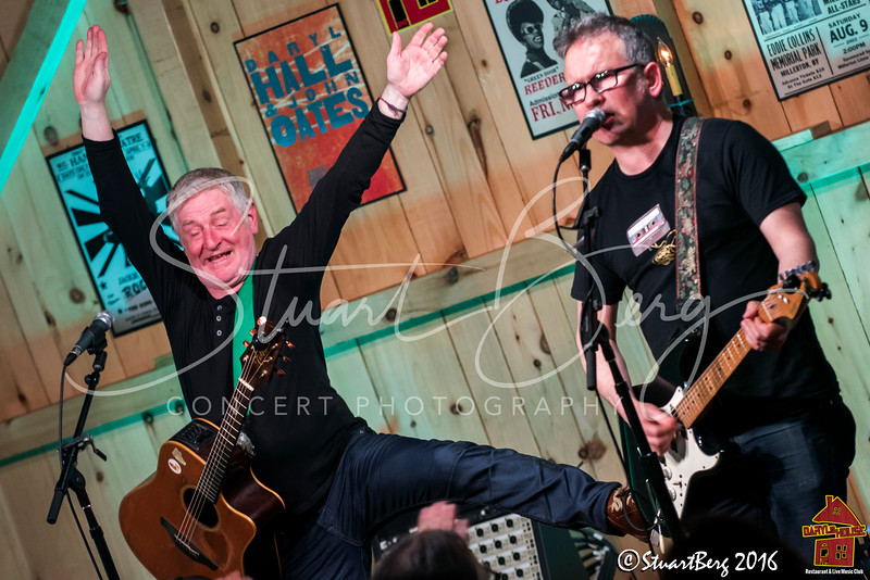 Leo Moran & Davy Carton of The Saw Doctors  <br /> 5/9/2016  <br /> Daryl's House Club, Pawling, NY <br /> ©StuartBerg 2016