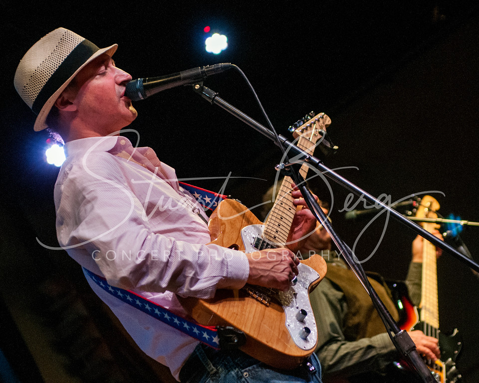 Murali Coryell <br /> Towne Crier Cafe, Beacon, NY <br /> 9-14-14 <br /> Photo by Stuart Berg