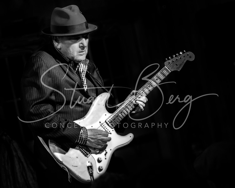Ronnie Earl  <br /> January 26, 2018  <br /> Daryl's House Club  <br /> Pawling, NY  <br />  ©Stuart M Berg  <br /> <br /> Ronnie Earl and The Broadcasters  <br /> <br /> Ronnie Earl - Guitar  <br /> Daqve Limina - Hammond B3, Keyboards  <br /> Dian Blue - Vocals<br /> Forrest Padgett - Drums  <br /> Paul Kochanski - Bass