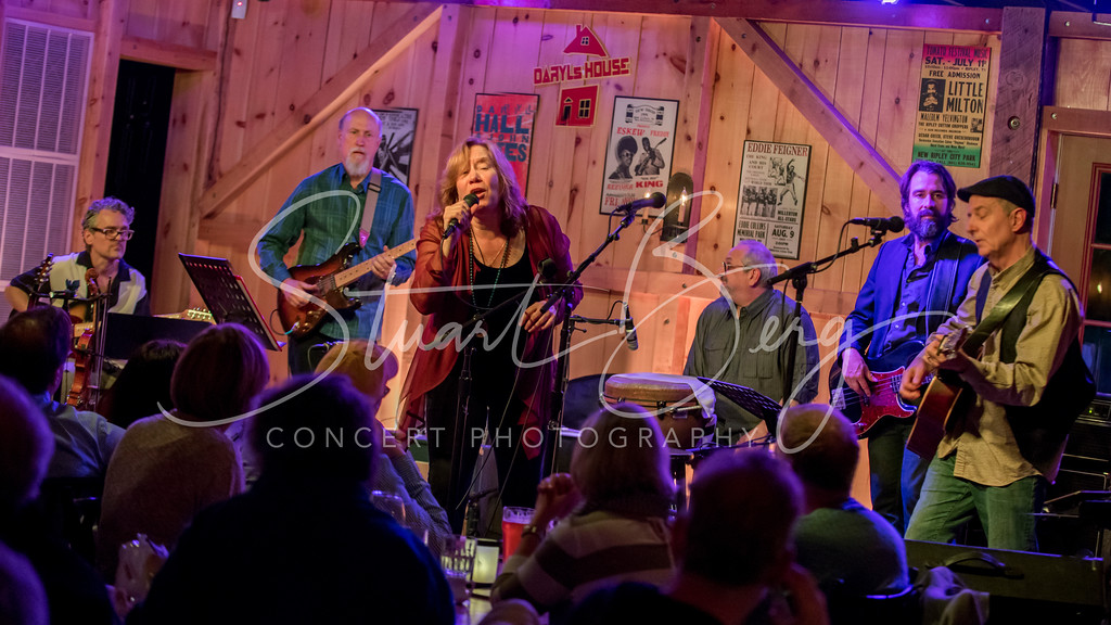 Sloan Wainwright  <br /> 5-15-16  <br /> Daryl's House Club, Pawling, NY <br /> ©StuartBerg 2016