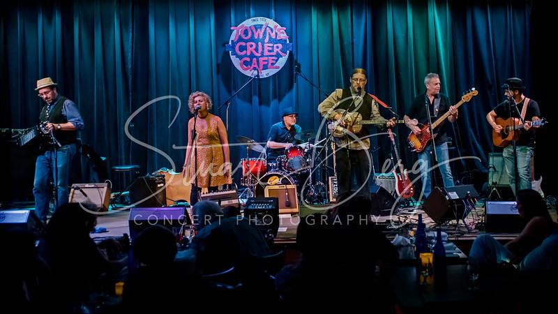 Spuyten Duyvil  <br /> Towne Crier Cafe, Beacon, NY  <br /> 8-7-15  <br /> Photo by Stuart Berg