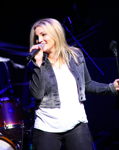 Jamie Lynn Spears - 96.3 KSCS Country Fest '15
