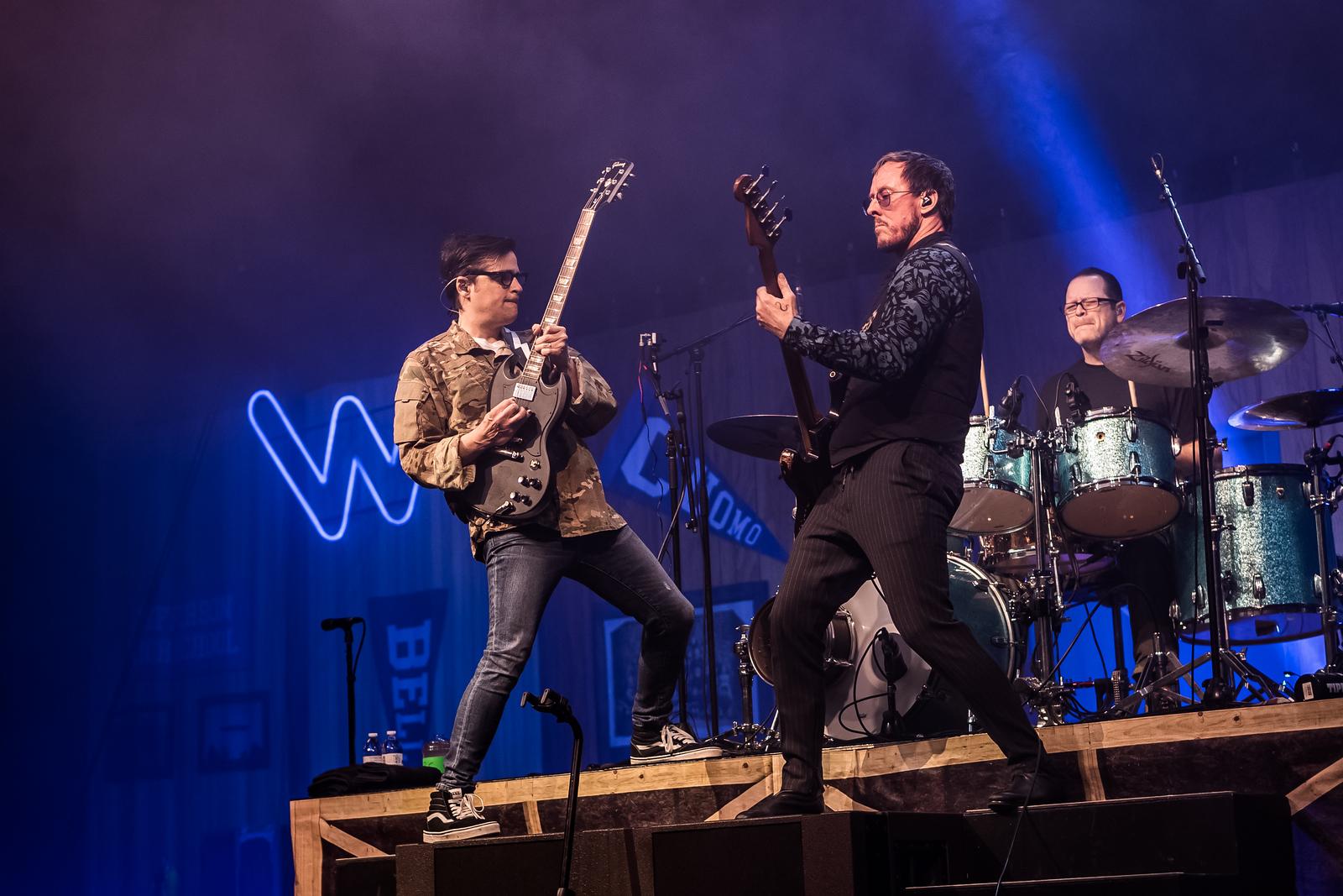 Weezer @ Wells Fargo Arena