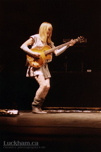 Tina Weymouth of Talking Heads and the Tom Tom Club at the Pacific Coliseum, Vancouver on December 3, 1983.