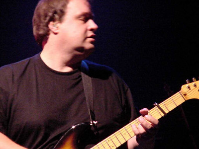 Marillion 9-30-04 Fox Theater (Steve Rothery)