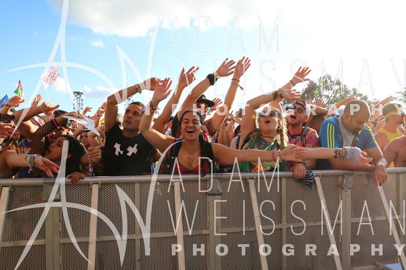 Friday Crowd Photos at EDC Orlando 2018