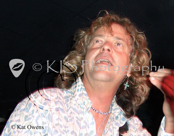 Jack Blades at the Avalon in Santa Clara, April 2005.