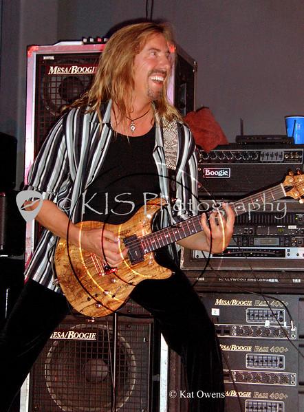 Jeff Watson at the Avalon in Santa Clara, April 2005.