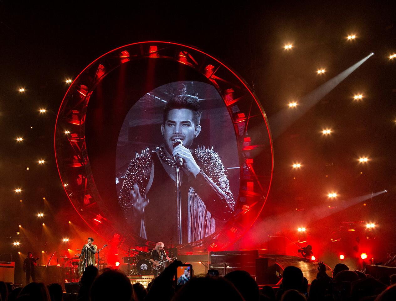 Queen + Adam Lambert, United Center, Chicago, Illinois, June 19, 2014